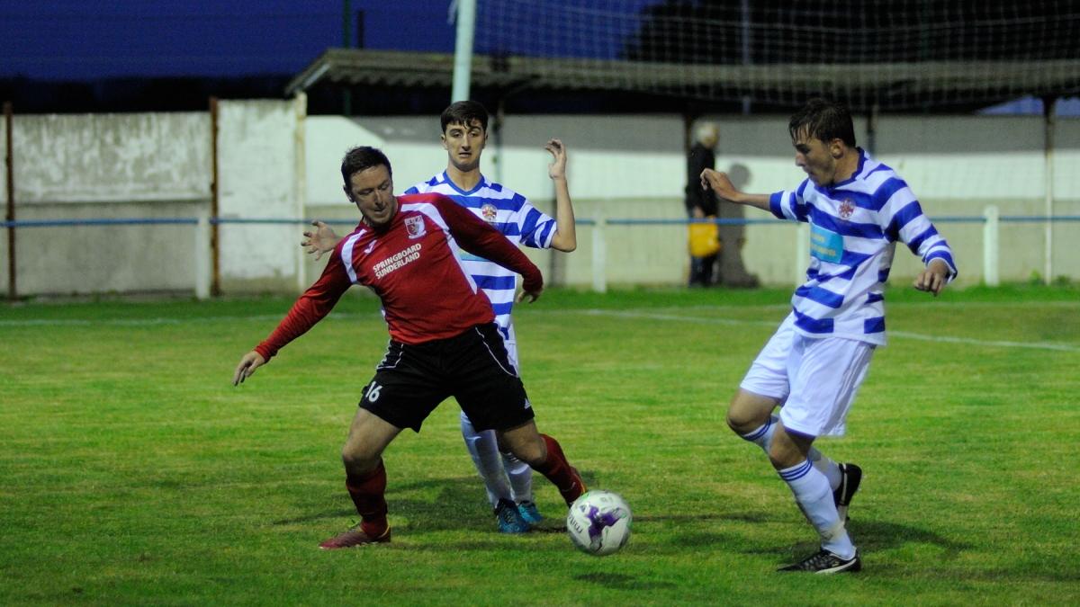 Johnnie Wightman in action during RCA's 4 - 2 win at Chester-le-Street: Photograph: Simon Mears.