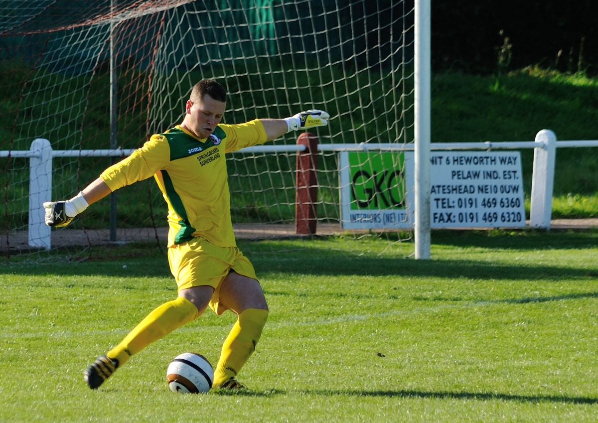 Neal Bussey pictured during the match against North Shields where he kept RCA's first clean sheet of the season. Photograph: Simon Mears.
